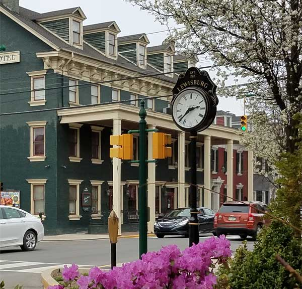 Lewisburg Downtown Clock